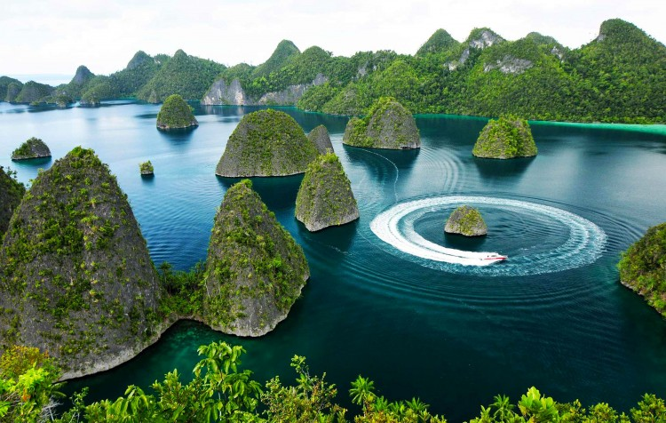 Raja Ampat až k ostrovu Wayang, loď Pearl of Papua ( 7. - 15.3.,8 nocí )